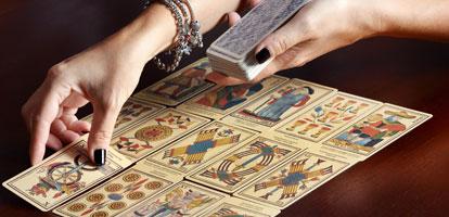 Como realizar una lectura de cartas de tarot